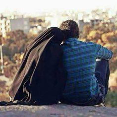الزّوجة ليست بحاجة فقط إلى النّفقة والسّكن، لكنّها أيضاً بحاجة إلى كلمة جميلة، وقلب حنون، وعاطفة تملأ قلبها، ورحمة تنسيها تعبها. #كلمات #الحب#وفاء
