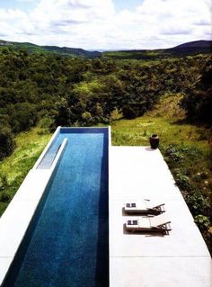 Everyone loves luxury swimming pool designs, aren't they? We love to watch luxurious swimming pool pictures because they are very pleasing to our eyes. Now, check out these luxury swimming pool designs. Above Ground Pool, In Ground Pools, Piscina Rectangular, Rectangular Pool, Villa Pool, Pool Landscape Design, Swiming Pool, Modern Pools, Luxury Pools