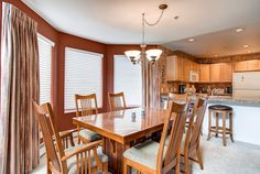 Dinning area at Bay Club Condo, Frisco, Colorado, brought to you by Colorado Rocky Mountain Resorts - Vacation Rentals & Property Management.