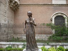 Statue of Catherine of Aragon in Spain