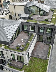 DSDHA adds crystalline pavilions on fitzrovia apartment rooftops all images © hélène binet / christoffer rudquist / DSDHA