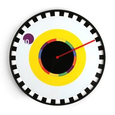 Clock It: Sprocket Wall Clock Designed by Milton Glaser from Kikkerland This is an amusing and un-conventional way to tell time. Watch the colors move while Milton Glaser, All Modern, Modern Contemporary, Pop Art Wallpaper, Cool Clocks, Deco Originale, Wall Clock Design, Kitchens And Bedrooms, Yesterday And Today