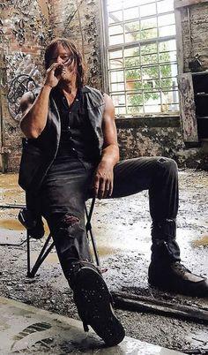 Daryl Dixon Walking Dead, Walking Dead Memes, Fear The Walking Dead, Dead King, Stuff And Thangs, Celebs, Celebrities, Beautiful Men, Sexy Men