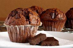 Сегодня я предлагаю нечто необыкновенно прекрасное для всех Вас, мои дорогие шокоголики.… Baked Donut Recipes, Delicious Cake Recipes, Yummy Cakes, Sweet Recipes, Yummy Food, Yummy Treats, No Bake Desserts, Dessert Recipes, Biscuit Pudding