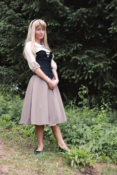 Briar Rose Disney's Sleeping Beauty Costume by kurzeshaar on Etsy. Love this idea!!