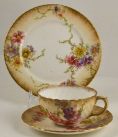 DOULTON BURSLEM FINE BONE CHINA PORCELAIN BLUSH FLOWER TRIO CUP SAUCER PLATE