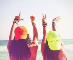 we are going to recreate this at the beach this summer, like im not kidding! bracelets, hats, hair, tan,  all :D best-friends