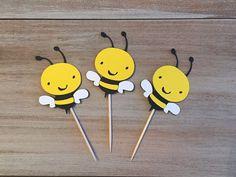 Bumble Bee Cupcake Toppers. Fiesta de cumpleaños de por TheTealTree