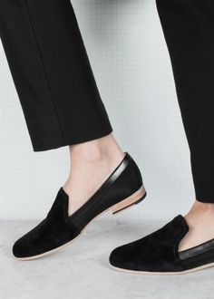 idea for your capsule wardrobe: black chinos and loafers #style
