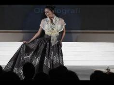 Indonesian Fashion Designer Wins Award for Kebaya Embroidery - http://www.jakarta-mega.com/indonesian-fashion-designer-wins-award-for-kebaya-embroidery/