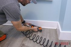 Learn how to install vinyl plank flooring. Installing new vinly plank floors can be done with limited tools and a few beginner tips and tricks. Installing Vinyl Plank Flooring, How To Install Baseboards, Vinyl Sheet Flooring, Diy Flooring, Laminate Flooring, Home Depot, Floating Floor, 3d Modelle, Wood Vinyl