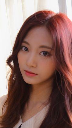 Pretty Asian, Beautiful Asian Girls, Beautiful Women, Korean Beauty, Asian Beauty, India Beauty, Gfriend Yuju, Chou Tzu Yu, Tzuyu Twice