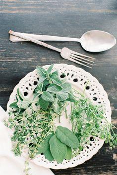 Roast Chicken with crème fraîche and herbs * Frango assado com crème fraîche e ervas  suvellecuisine.com