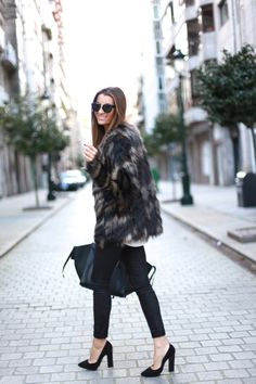 Winter Must Haves, Fur Coat, Winter Jackets, Fashion Outfits, Animal, My Style, Closet, Style Blog, Street Style