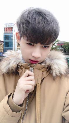 Beautiful Boys, Pretty Girls, Beautiful People, Korean Boys Ulzzang, Ulzzang Boy, Hot Boys, Hot Girls, Male Face Shapes, Asian Haircut