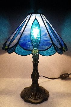 Most up-to-date Photographs Stained Glass lamps Popular In the fall of 1998 I made the choice that We needed another passion to get my own artsy part expressing thems. Stained Glass, Stained Glass Lamps, Glass Lantern, Glass Lighting, Glass Lamp, Stained Glass Light, Glass Installation, Glass Paperweights, Stained Glass Lamp Shades