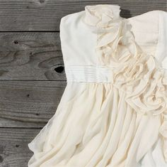 Enchanted Dress, Sweet Womens Country Clothing there-is-always-a-possiblity-i-ll-want-to-have-a-w Country Dresses, Country Outfits, Country Girls, Country Life, Country Style, Cute Dresses, Cute Outfits, Flower Girl Dresses, Fashion Wear