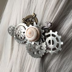 Last night's Instagram & Facebook spotlight was on this lovely steampunk mermaid hair barrette. This barrette uses a 6cm barrette for a secure hold. This size works best as an accent piece for all hair thicknesses and is excellent for thin hair!