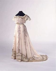 Evening Dress Made Of Silk, By Jeanne Paquin, House Of Paquin - French  c.1909  -  The Metropolitan Museum of Art