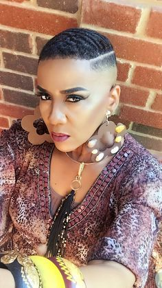 Different Hairstyles For Short Hair For Black Ladies Low Cut Hairstyles, Short Hairstyles For Women, Cool Hairstyles, Black Hairstyles, Hairstyles Pictures, Beautiful Hairstyles, Hairstyles Haircuts, Curly Hairstyle, Hairstyle Ideas