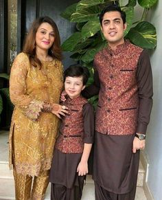 Wedding Outfits For Family Members, Kids Ethnic Wear, Matching Outfits, Matching Clothes, Hollywood Celebrities, Beautiful Celebrities, Couple Goals, Cute Couples, Celebs