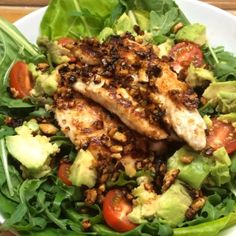 recipe: Honey cashew coated chicken with avocado salad from Joe Wicks aka The Body Coach - Healthista Clean Eating Recipes, Lunch Recipes, Salad Recipes, Dinner Recipes, Cooking Recipes, Healthy Snacks To Make, Healthy Eating, Healthy Recipes, Chicken And Cashew Nuts
