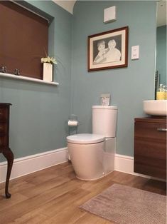An inspirational image from Farrow and Ball. Dix Blue walls No 82