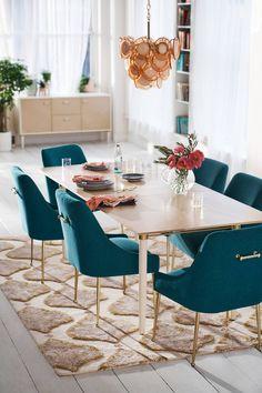 25 Trending Dining Room Decor Inspirations For Spring 2019 - Home Design Dining Room Table Decor, Dining Room Design, Dining Chairs, Room Decor, Room Chairs, Design Kitchen, Dining Area, Kitchen Dining, Decoration Inspiration