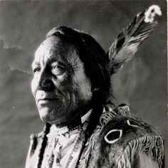 Arrow Top Conquistador, Indian Chief Tattoo, Blackfoot Indian, Great Lakes Region, Plains Indians, Tribal People, Native American Tribes, Native Art, Old West