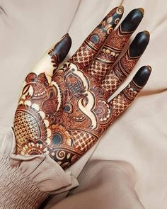 We have curated an exhaustive list of more than 80 Arabic mehndi designs for you.  Henna Tattoo Designs Simple, Full Hand Mehndi Designs, Henna Art Designs, Mehndi Designs For Girls, Mehndi Designs For Beginners, Modern Mehndi Designs, Dulhan Mehndi Designs, Mehndi Design Photos, Wedding Mehndi Designs