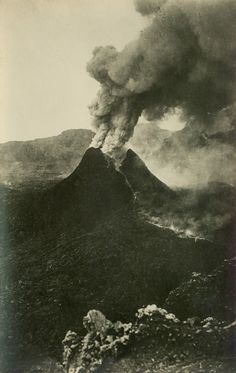 1930 another eruption. Amalfi, Verona, Lava, Pompeii And Herculaneum, Vintage Italy, Naples, Ancient Romans, Natural Disasters, Roman Empire