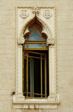 Ventana estilo gotico veneciano