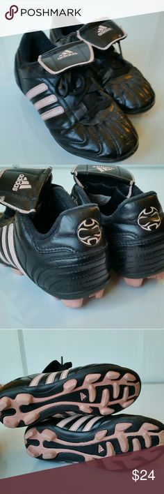 Adidas Girls Soccer Cleats Excellent condition soccer cleats with lace protectors from Adidas. Adidas Shoes