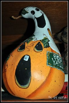 Painting Gourds for Halloween Halloween Gourds, Fall Halloween, Gourds Birdhouse, Gourd Art, Painted Pumpkins, Tole Painting, Bird Houses, Home Crafts, Projects To Try