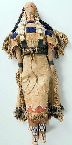 Cheyenne Beaded Doll, 23 inches tall. Native American Dolls, Native American Design, Native American Artifacts, American Indian Art, Native American Beading, Native American Indians, Native Americans, Native Indian, Native Art