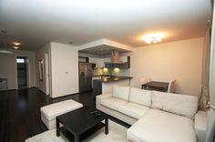 Квартира площадью 88м2, компактное расположение комнат, состоит: прихожая, зал и кухня, 2 спальни, просторного гардероба, ванная комната с туалетом, отдельный туалет.