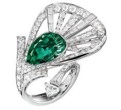 Boucheron 'Plume de Paon' Emerald & Diamond Ring