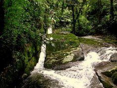 Cachoeira das Muralhas, Vale do Alcantilado.