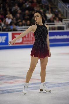 (7) Twitter Hot Figure Skaters, Figure Skating Costumes, Eislauf Outfits, Ashley Wagner, Cool Poses, Figure Skating Dresses, Beautiful Figure, Gymnastics Girls, Dance Costumes