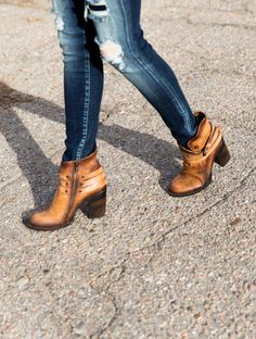 Women's Boots   Buckle