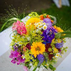 Sommerhochzeit Brautstrauß Wiesenblumen