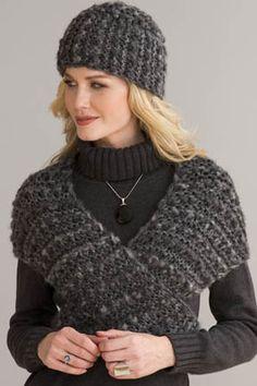 Warm Embrace Hat & Shawl in FELPATO & TRECCIA page 7