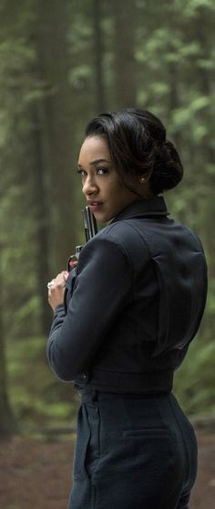The Flash 2x14 - Iris West - Earth 2 (HD)