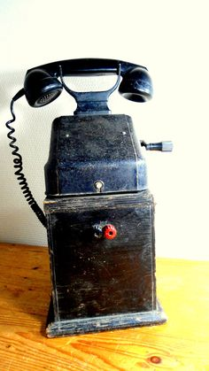 Old telephone antique phone black bakelite on by Sweetlake Vintage, Vintage Antiques, Vintage Items, Antique Phone, Retro Phone, Old Technology, Telephone Booth, Vintage Phones, Old Phone, Antique Furniture
