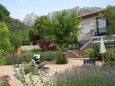 Extérieurs de Propriété avec gîte à vendre à Mons-la-Trivalle dans l'Hérault
