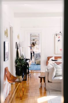How An Interior Designer Decorates Her 700 Square Foot Manhattan Home