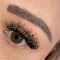False eyelashes for beginners from Marior – Style Coconut – Natural faux mink lashes that look like eyelash extensions! make up – Eyelash Brands, Eyelash Sets, Fake Lashes, Mink Eyelashes, Natural Fake Eyelashes, Thicker Eyelashes, Longer Eyelashes, Eyelash Extensions Before And After, Eyelash Extensions Styles