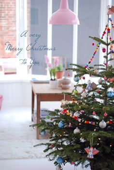 I wish everybody who visit my pinterest board a very very merry christmas, enjoy the holiday's!!!! ♡