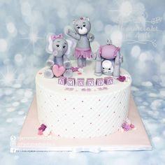 Christening cake for little Amanda Gratulerer til Amanda og familien hennes 🌸 . . .  #dåpskake #kakenorge #norway #instagood #pink #girl #inspiration #party #happiness #foodie #fun  #design #baby #photooftheday #sweet #likeforlike #smile #instagram #picoftheday #instalike #cute #Family #staysafe #instamood #norgesbestekaker #norge #norwayfood #cakesofig #daap #jentekake Birthday Cake, Desserts, Food, Tailgate Desserts, Birthday Cakes, Deserts, Eten, Postres, Dessert