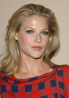 Splendid paragon of beauty Ali Larter ...  Classy Hairstyles...   Larter landed her first professional roles in 1997 when she appeared in several television programs.